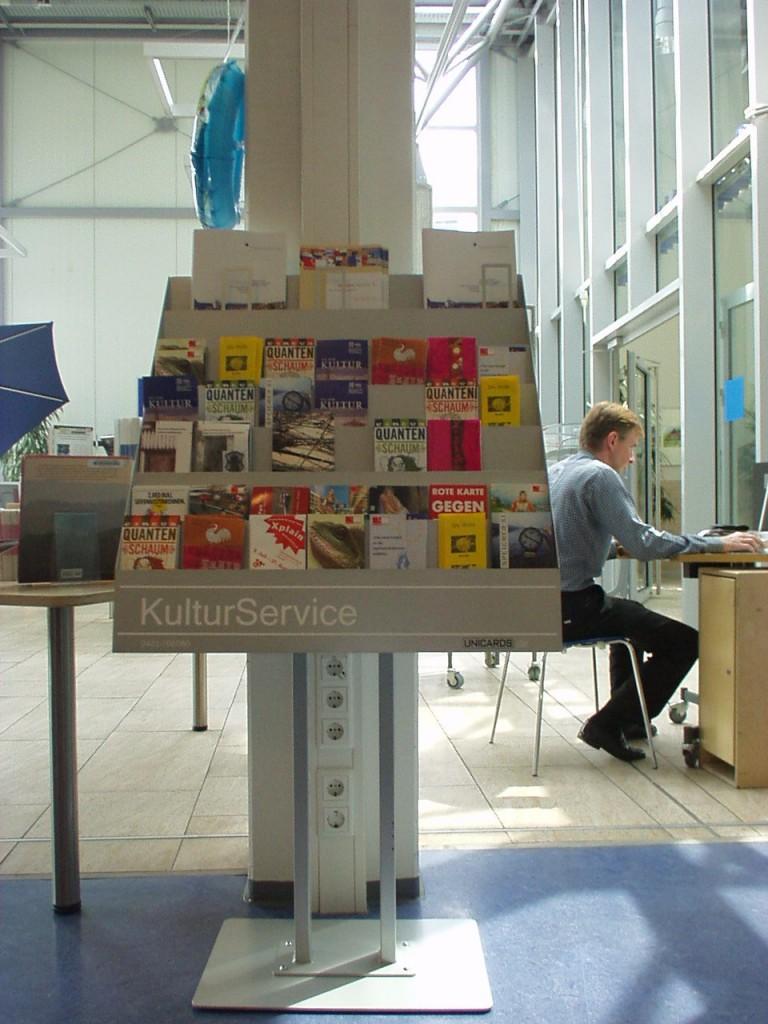 PremiumKultur Display Bibliothek